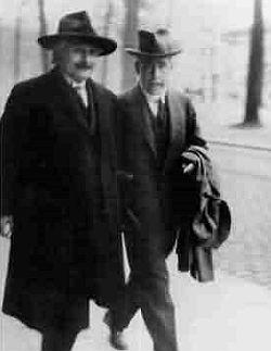 Bohr Einstein